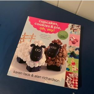 Cookie, cupcakes and pie Cookbook